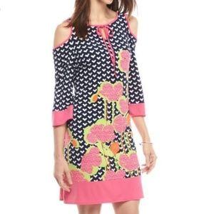Cold shoulder contrast 3/4 sleve dress